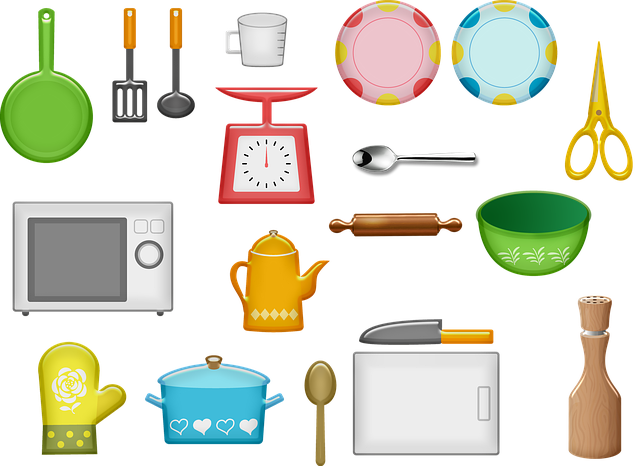 Kitchen Equipment Plates Microwave  - AnnaliseArt / Pixabay
